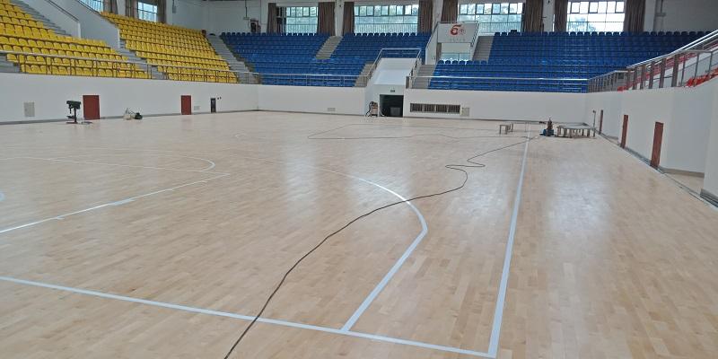 广州外语外贸大学运动木地板安装案例