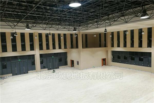 四川泸州市叙永县城西实验学校运动BOB棋牌app下载铺设工程案例-2