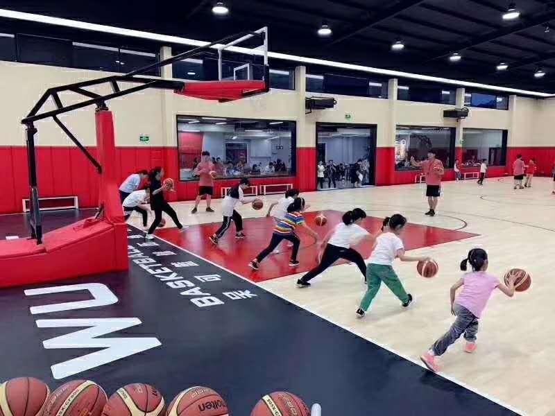 篮球场BOB棋牌app下载.jpg