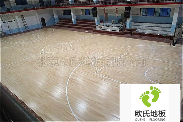 湖南株洲车辆段工地体育馆地板案例