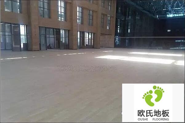 甘肃省酒泉市体育篮球BOB棋牌app下载铺设工程